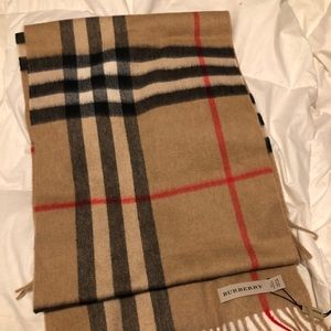 Classic Burberry Cashmere Scarf (NEW WITH TAGS)